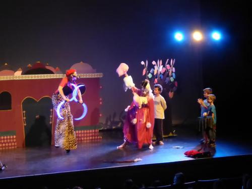 spectacle jeune public Au Pays Enchuinté festival